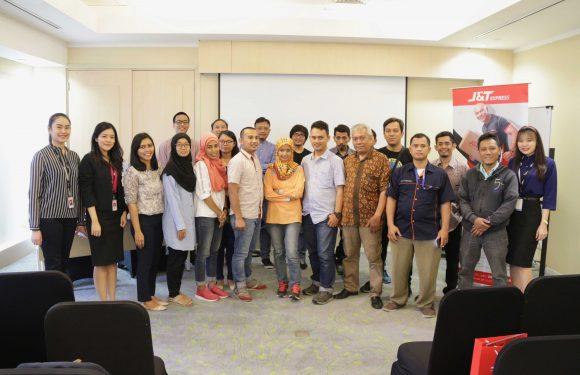 Lowongan Kerja Staff Finance J&T Express Penempatan Tangerang